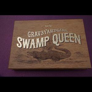 Tarte: Swamp Queen LE eyeshadow palette